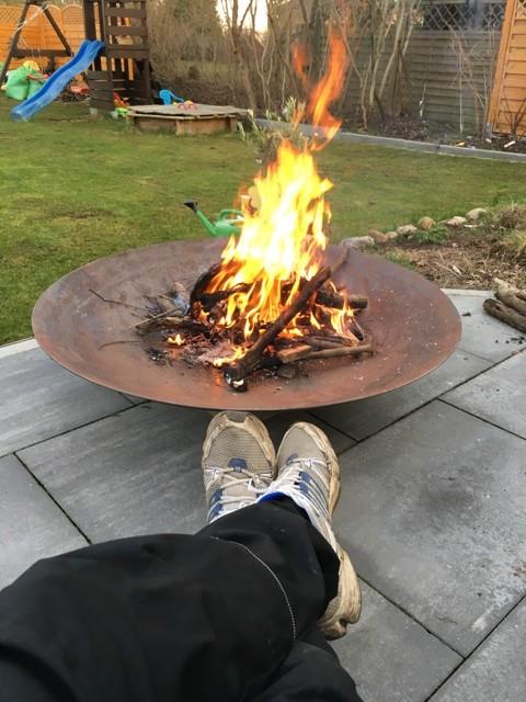 Lagerfeuer auf der Terrasse