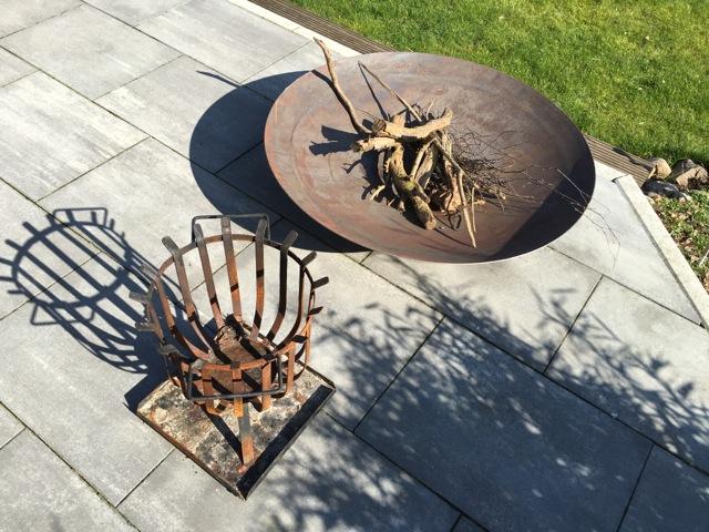 Lagerfeuer für Garten & Terrasse: Feuerschale oder Feuerkorb ...