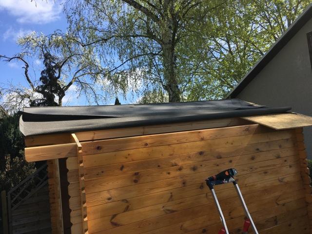 Dachpappe entfernen und OSB-Dachplatten abbauen
