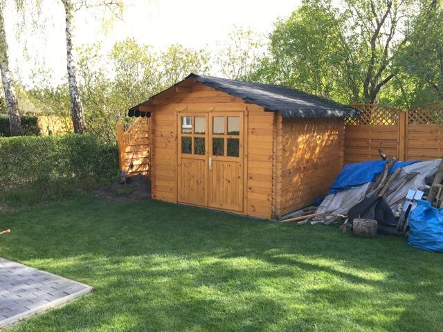 Gartenhaus ist umgezogen - Wiederaufbau klappte einfach und reibungslos