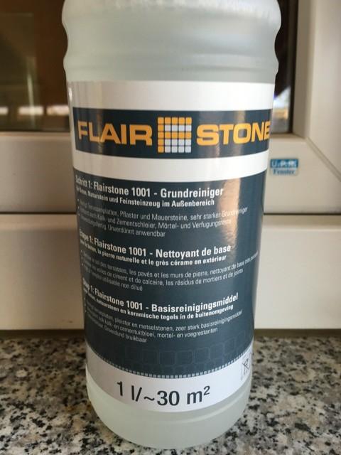 Terrassenreiniger von Flairstone für Stein und Betonplatten