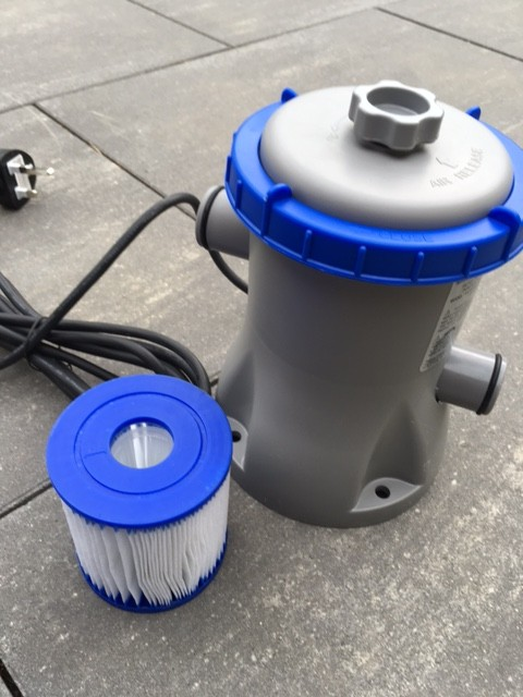 Einfache Pool-Pumpe mit Filter für den Gartenpool