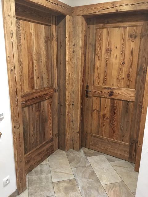 Landhaus-Türen aus Holz