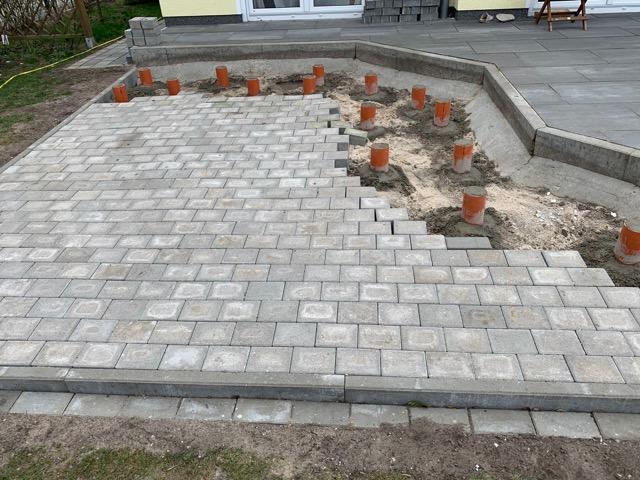 Fundament für die Terrasse für den Einbau vom Badefass