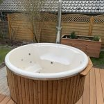 Badefass Innen aus GFK (Kunststoff) - Aussen aus Holz