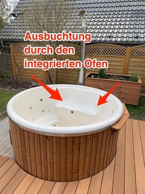 Badefass mit integrierten Ofen - Ausbuchtung im Innenraum durch Holzofen