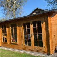 Erfahrungsbericht Einbausauna aus Holz im Gartenhaus aufbauen